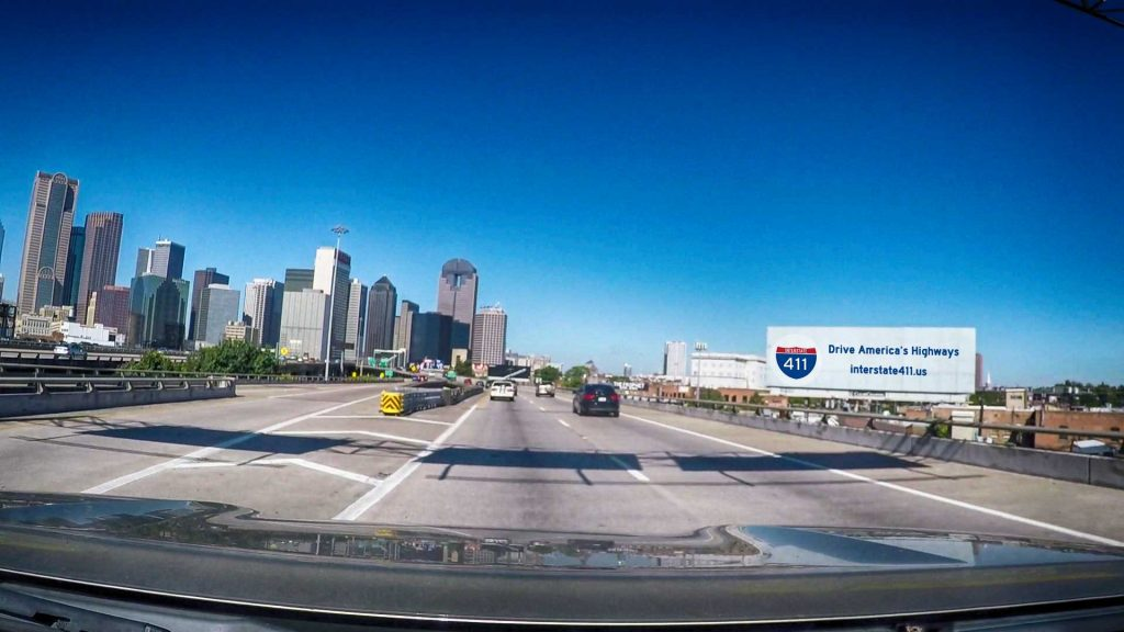 Dallas / Fort Worth - Photo of Dallas Skyline from US75